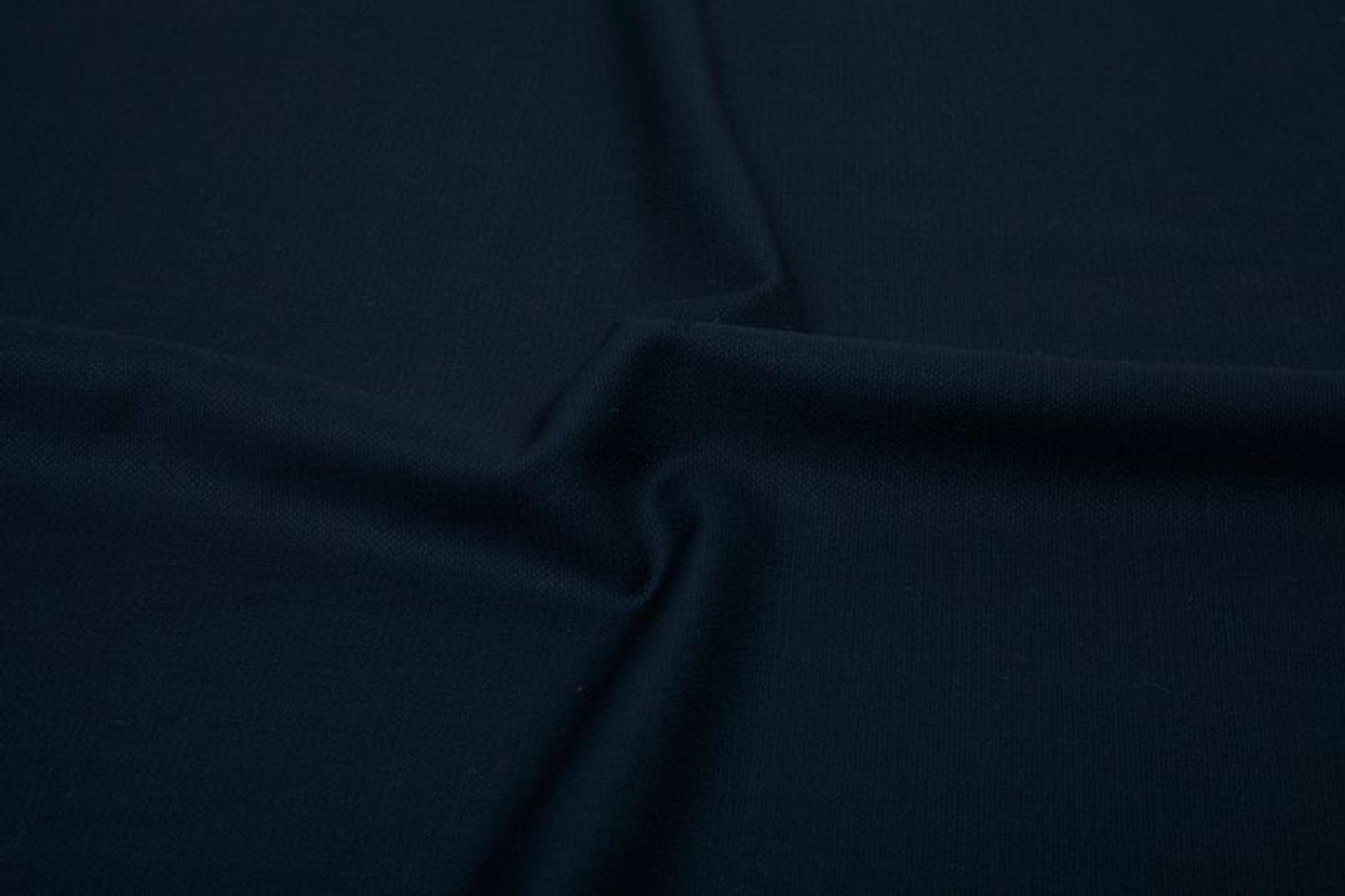 InStitchu Suit Fabric 18