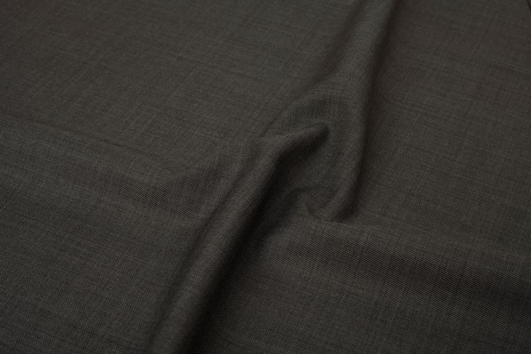 InStitchu Suit Fabric 33